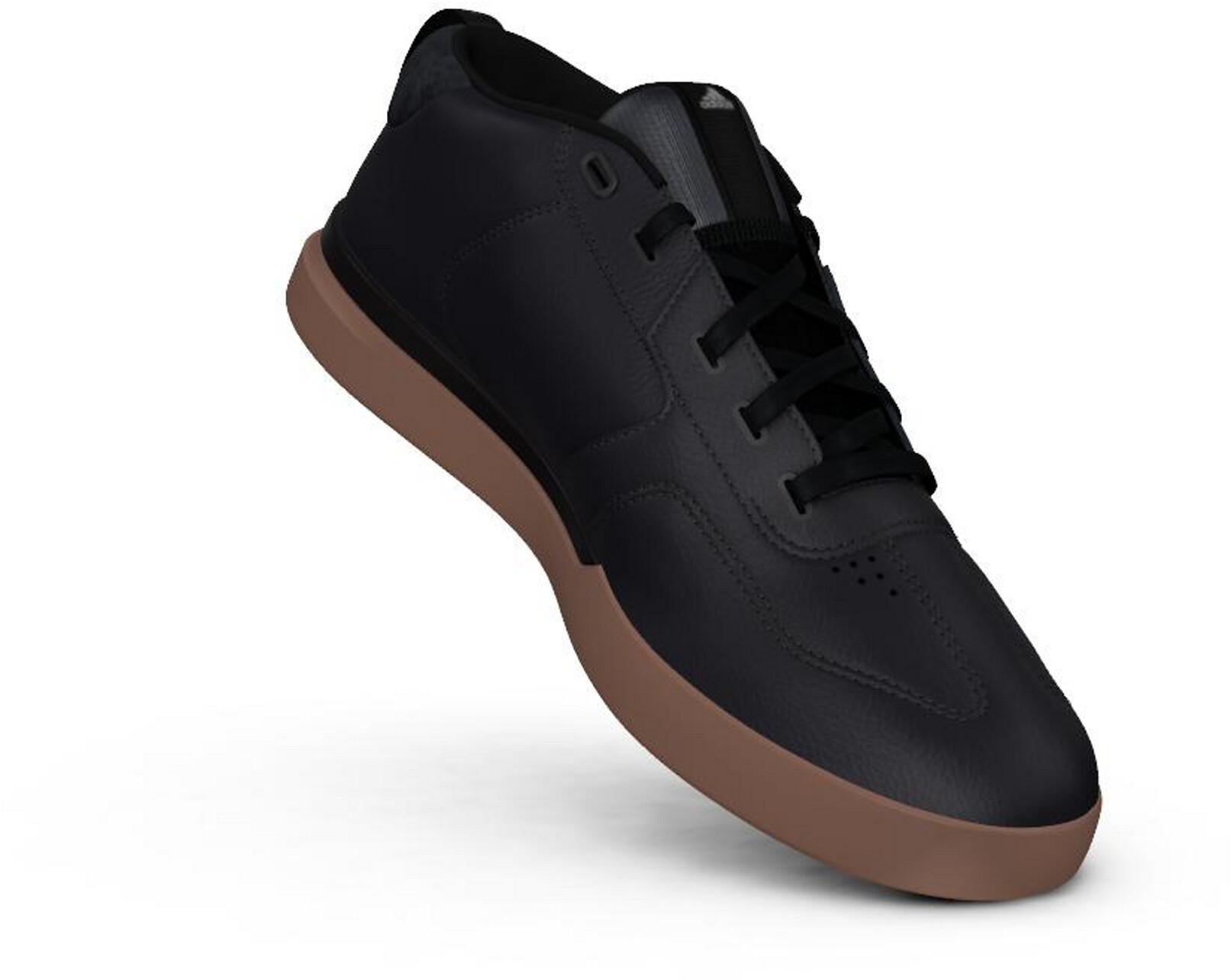 Adidas Herbst Winter Schuhe Gr 34 in 90459 Nürnberg für 10